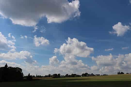 wolken blauer himmel